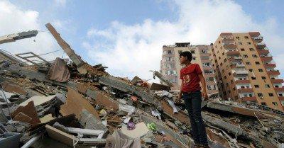 palestine-rubble-child-400x209